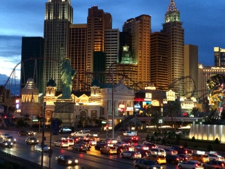 Night Las Vegas photo credit Diana Serafini serafiniamelia.me