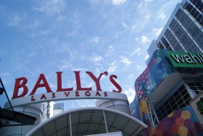Bally's Wahlburgers photo credit Diana Serafini serafiniamelia.me