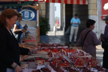 Marche aux Fleurs Cours Saleya Travel ( 2 ) Photography by Diana Serafini