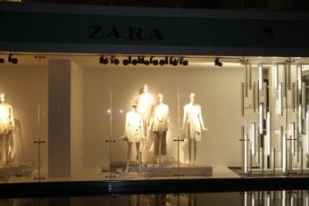 ZARA on Display VM 5 photo credit Diana Serafini